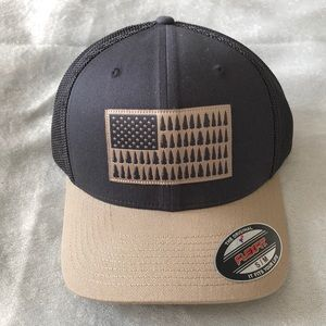 Columbia Sportswear Fishing Gear Mesh Ball Cap